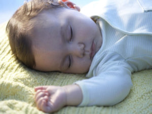 Если ребенок спит долго днем