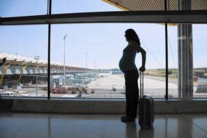 Пускают ли беременных в самолет