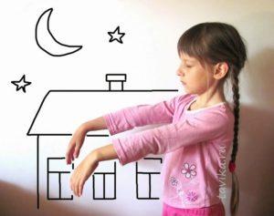 Почему во сне ребенок ходит