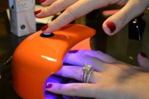 Можно ли беременным пользоваться уф лампой для ногтей