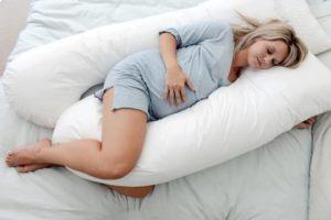 Почему полезно лежать на левом боку при беременности