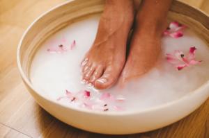 Можно ли беременным парить ноги в горячей воде