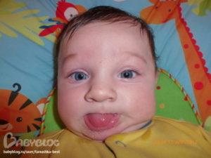 Почему у малышей текут слюни