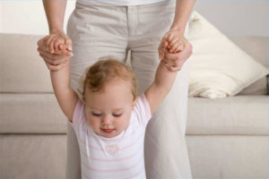 Когда дети начинают узнавать родителей