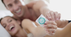 Во время месячных презерватив порвался