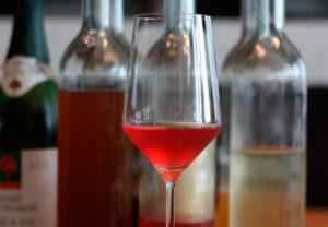 Можно ли при грудном вскармливании бокал красного вина