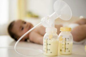 Как сцеженным молоком кормить ребенка