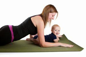 Лежать на животе для сокращения матки после родов