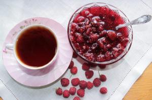 Можно ли беременным малиновое варенье с чаем