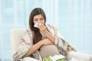 Как лечить первые признаки простуды у беременных