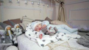 С ребенком гулять во сне