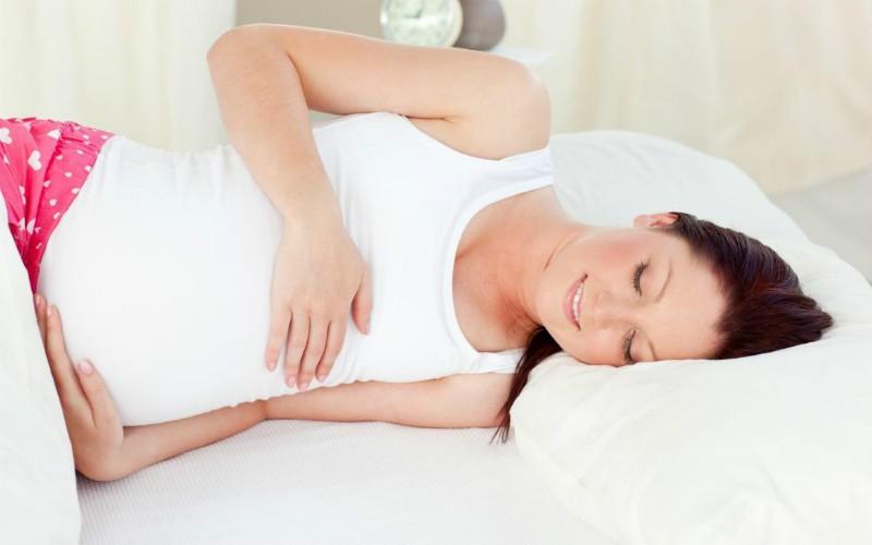К чему снятся месячные беременной женщине